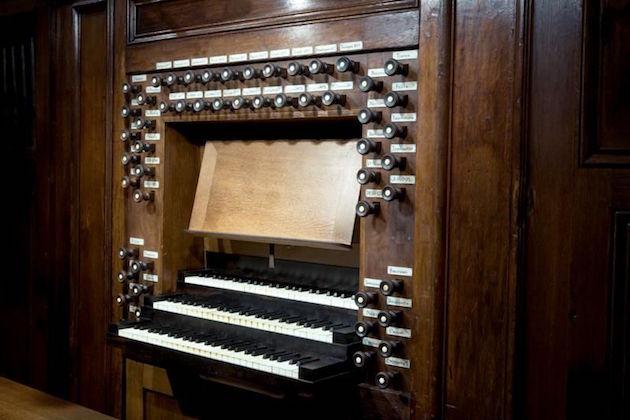 Klaviatuur van het Robustelly-orgel