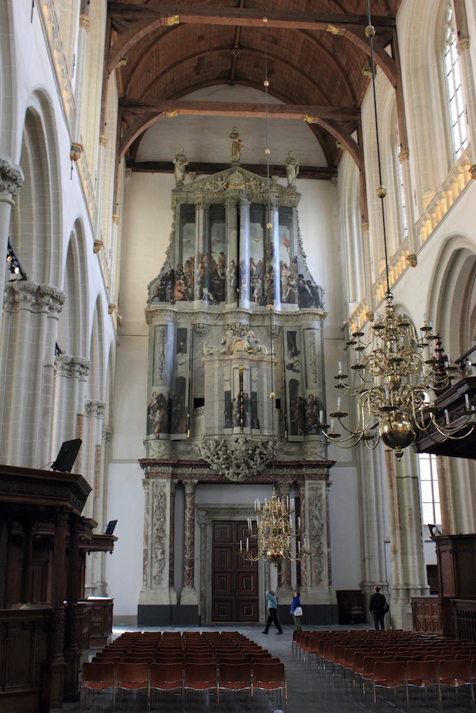 Het orgel zoals het in de afgelopen niet meer te zien is geweest: met gesloten luiken | foto Door Léna - Eigen werk, CC BY 3.0, https://commons.wikimedia.org/w/index.php?curid=16535591